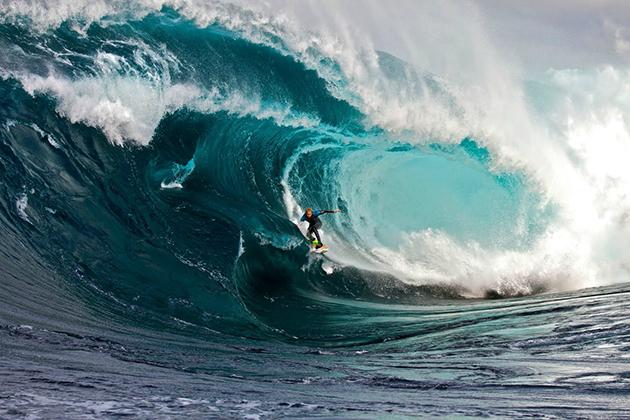 foto - DoSurf 3 lugares onde o mar mostra sua fúria.jpg