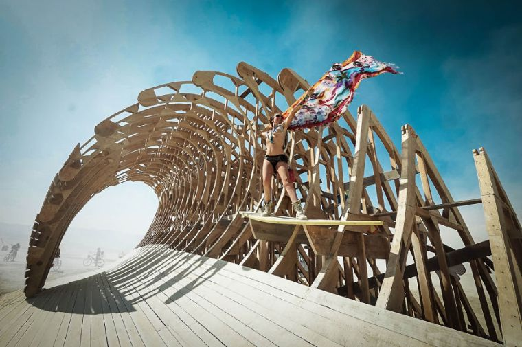 do surf arte burning man 1.jpg