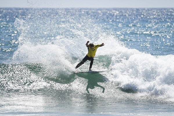 foto 3 - Dosurf:Esta nascendo uma grande rivalidade no mundo do surf.jpg