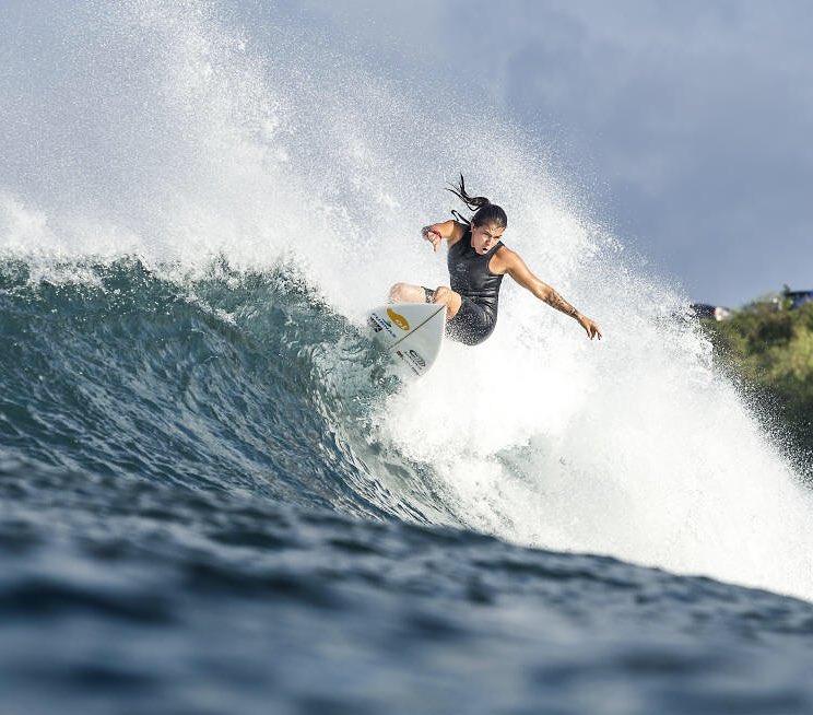 do surf 5 surfistas brasileiras silvana lima.jpg