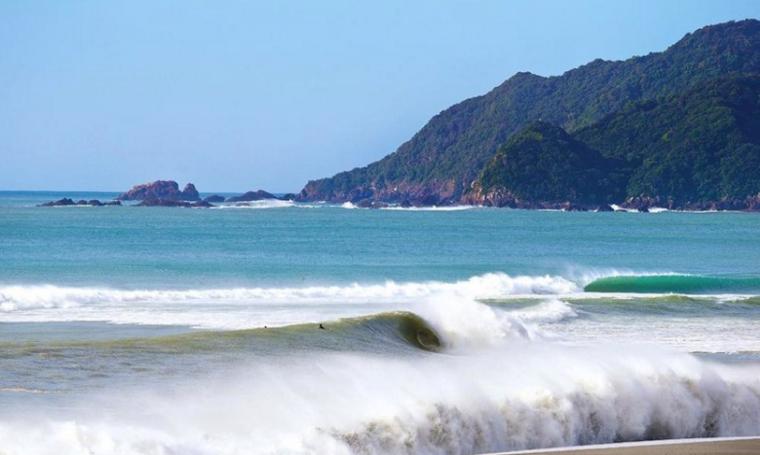 Foto 1 - Dosurf:as seis melhores ondas do japão.png
