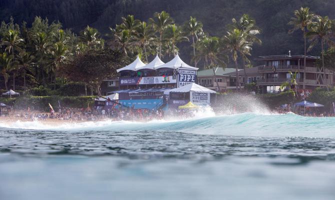 Pipeline, no Havaí, pode abrir a temporada da WSL..jpg
